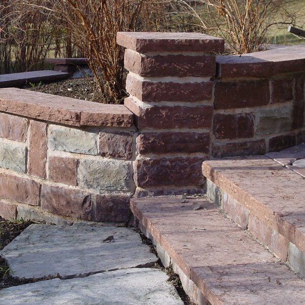 Mur och trappa ikalksten från öland
