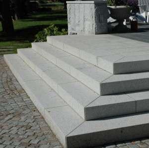 Krysshamrad granit trappa