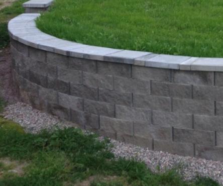 Stödmur i Ljusterö